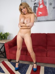 Alyssa Lynn at Cherry Pimps