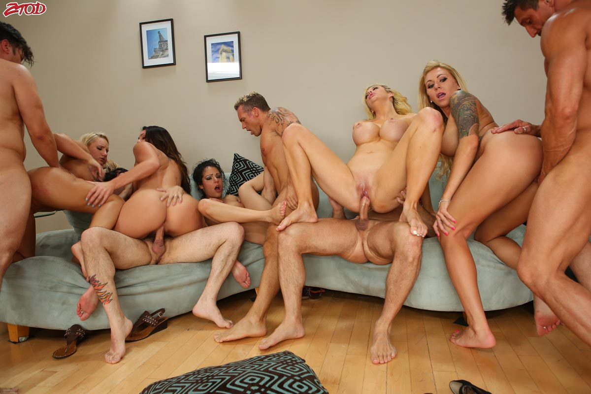 Good Group large orgy